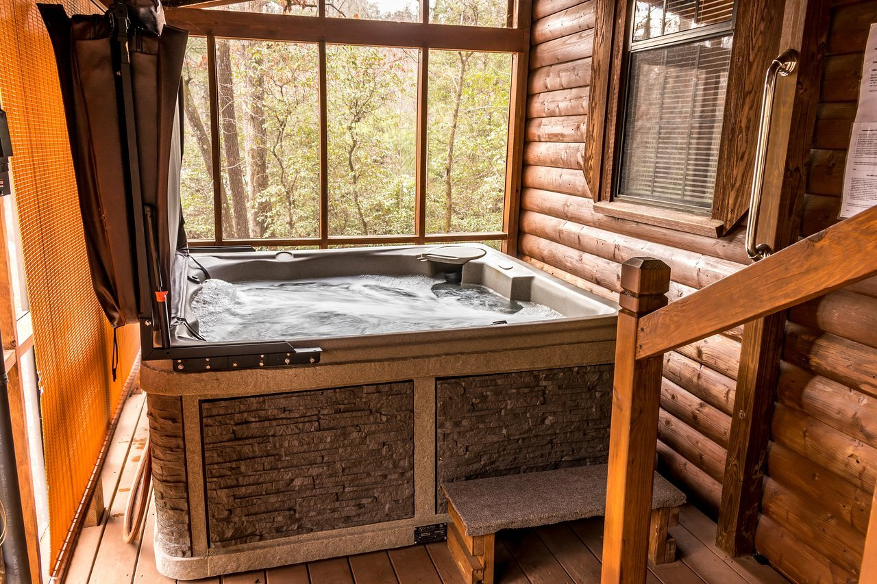 Bear Cabin Hot Tub
